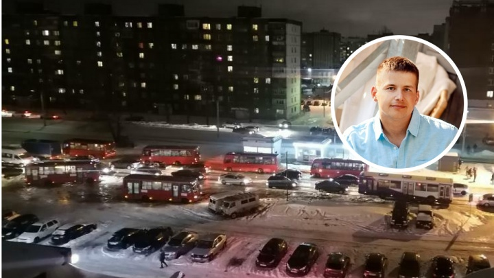 «Если бы не он — стояли б до ночи»: в Ярославле железнодорожник разрулил транспортный коллапс. Видео