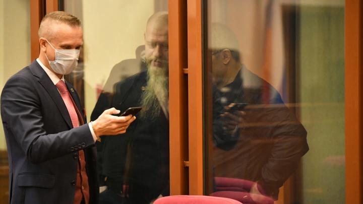 Два екатеринбуржца спасли женщину-адвоката от убийц: история начала нулевых дошла до суда 20 лет спустя