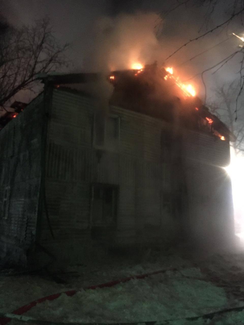 Куда поселить жильцов сгоревшего дома и как им помочь, сейчас решают в администрации города