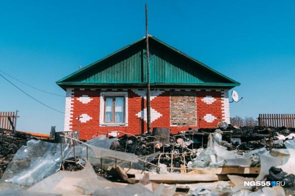 Дом, от которого удалось отогнать огонь