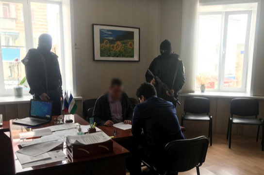 В Башкирии начальника отдела образования задержали за взятку в особо крупном размере