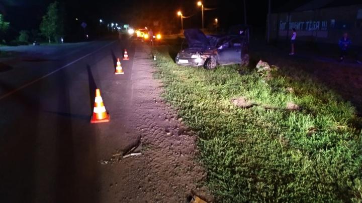 На Дону 80-летний «обочечник» врезался в Mercedes и насмерть сбил пешехода