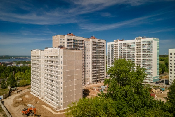 """Новый четырехподъездный дом переменной этажности по <nobr class=""""_"""">ул. Баранчинской, 16</nobr> строится <nobr class=""""_"""">по технологии —</nobr> <nobr class=""""_"""">Э-600</nobr>"""