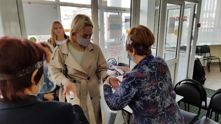 Зауральцам предлагают вакцинироваться и выиграть призы на избирательных участках