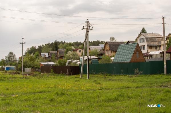 Пожилой мужчина, по версии родственников, надругался над своей внучкой в дачном домике под Новосибирском