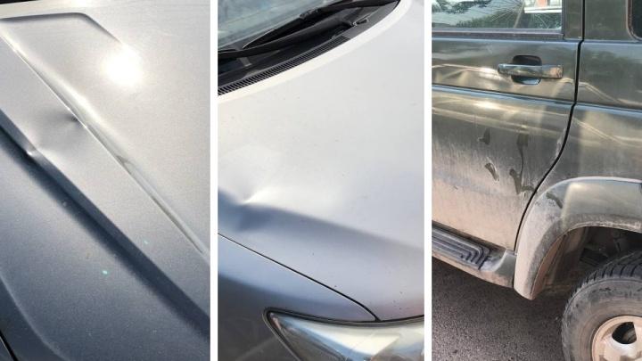 Подростки устроили забег по машинам на Киренского. Пострадали 20 авто
