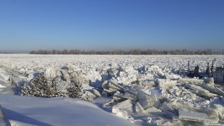 На севере края поднялся уровень воды: затоплены деревни, поднявшиеся глыбы льда раскурочили пароход и паром