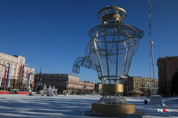 На площади Революции не осталось ни намека на ледовый городок