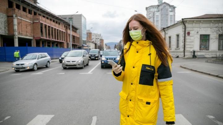 Спрос на курьеров в Красноярском крае вырос за год в 7 раз, а на таксистов упал в 6 раз