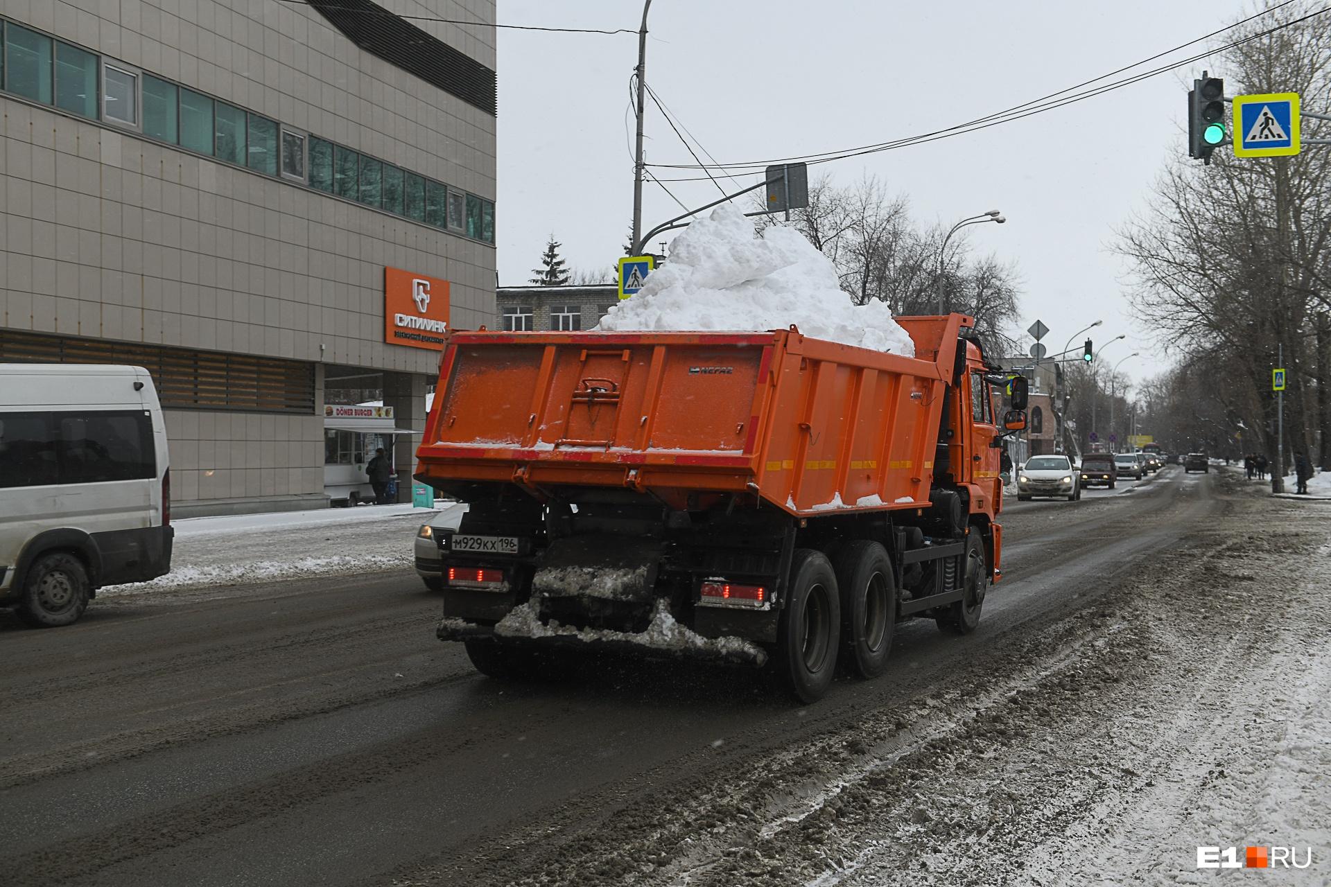 Подрядчики не всегда выставляют на дороги столько грузовиков, сколько должны выставлять по договору