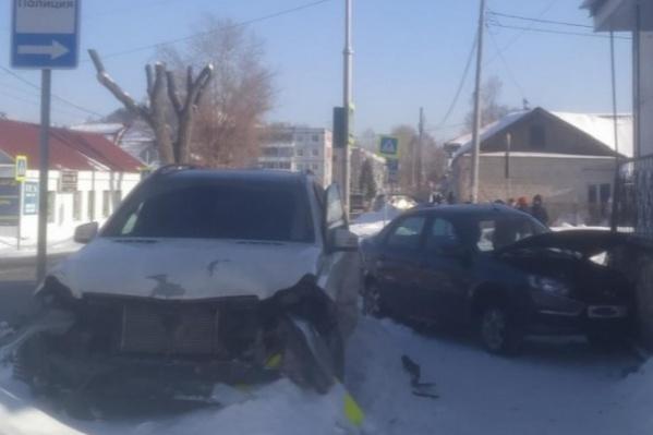 Удар пришелся на сторону водителя легкового авто