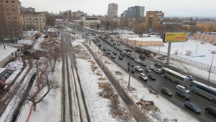 В областном Минтрансе прокомментировали вырубку деревьев на Ново-Садовой