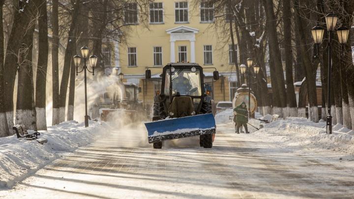 «Власть должна знать каждый двор»: депутат Лариса Ушакова проверила качество уборки дворов Ярославля