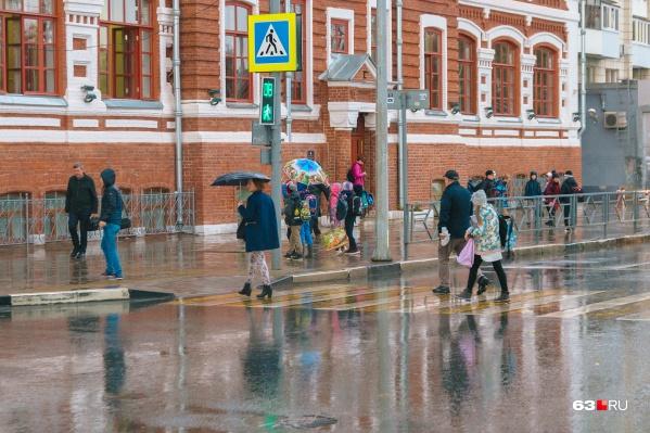 По информации метеорологов, в воскресенье возможен дождь, при этом еще и похолодает