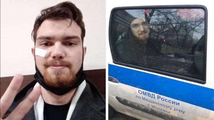 Красноярский активист 18 часов просидел в полицейской машине в Москве, ожидая места в спецприемнике