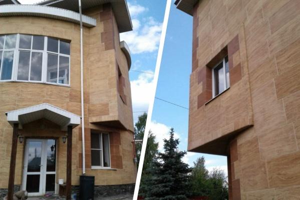 Стоит необычный дом 12,5 млн рублей