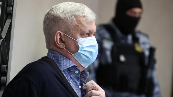 Андрею Косилову вынесли приговор по делу о ДТП, после которого два человека впали в кому. Онлайн-репортаж