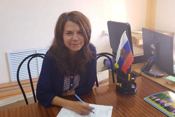 Юлия Андруцкая начинала горничной в Петрозаводске, работала продавцом-кассиром, помощником бармена, бригадиром, а потом внезапно стала заместителем главы Обозерского, а впоследствии стала руководить поселком