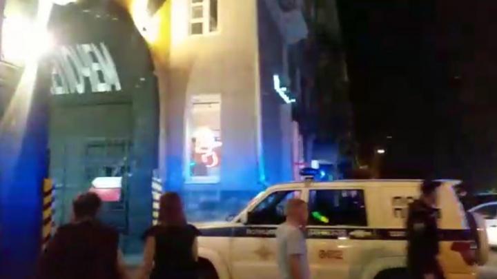 После двух разборок подряд в новый бар в центре Екатеринбурга нагрянул ОМОН