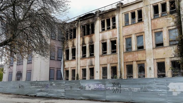 «То, что происходит, — это данность»: что будет с ДК имени Ленина после пожара
