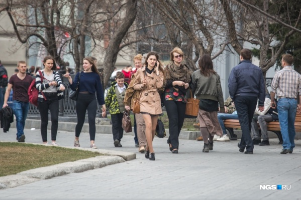 """Уже в эти выходные новосибирцы смогут переодеться в одежду <nobr class=""""_"""">полегче —</nobr> синоптики прогнозируют волну тепла"""
