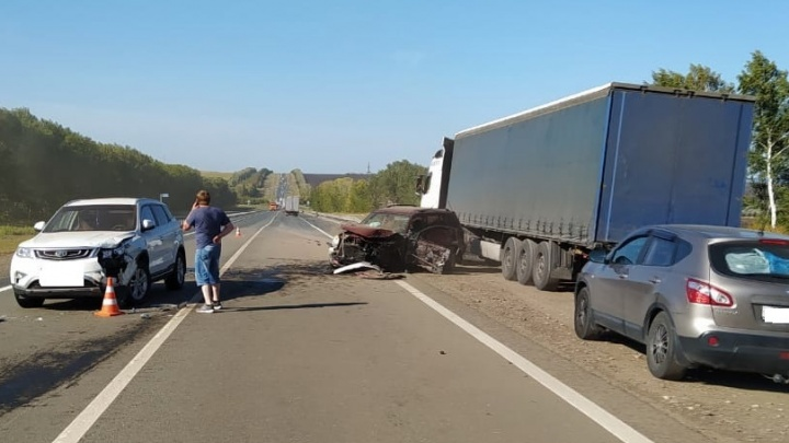 «Вызвали санавиацию»: в Самарской области в ДТП с тремя авто пострадал ребенок