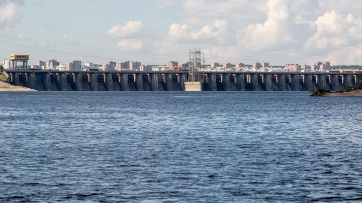 Жигулевская ГЭС закрыла водосливную плотину