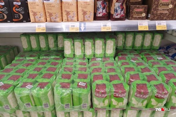 В сетевых магазинах Ярославля нет дефицита сахара. Его продают по 45 рублей
