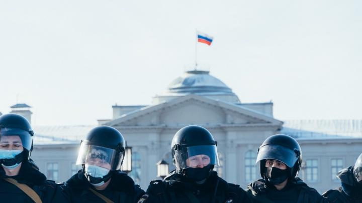 Смогли повторить: фоторепортаж с воскресной акции протеста в Омске