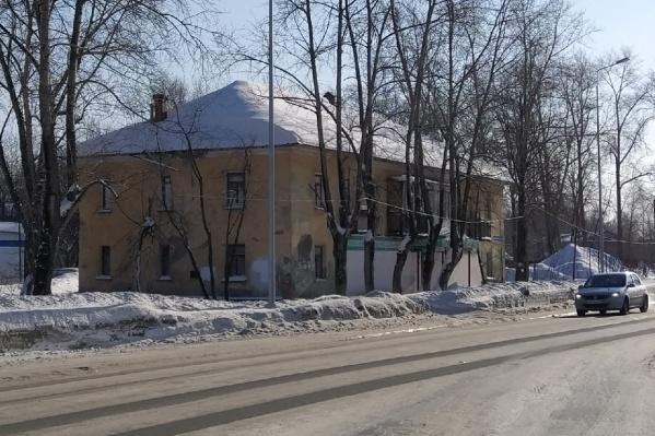 Дом расположен в микрорайоне Владимирском