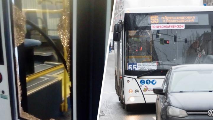 Водитель обстрелянного в Ростове автобуса просто уехал в гараж, владелец не пошел в полицию. Почему?