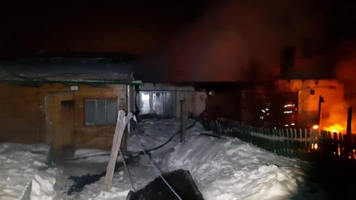 В Башкирии мужчина спалил дом, когда разжег на кухне костер