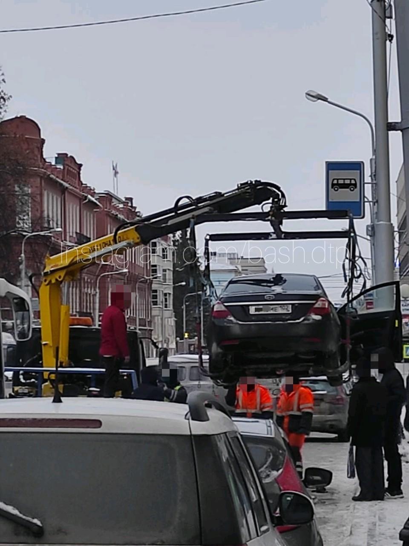 Ситуация на улице Ленина под знаком «Автобусная остановка»