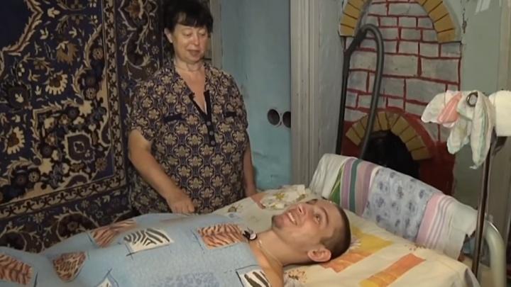 Инвалид из Пятигорска подарил парализованному парню в Красноярском крае специальный ноутбук