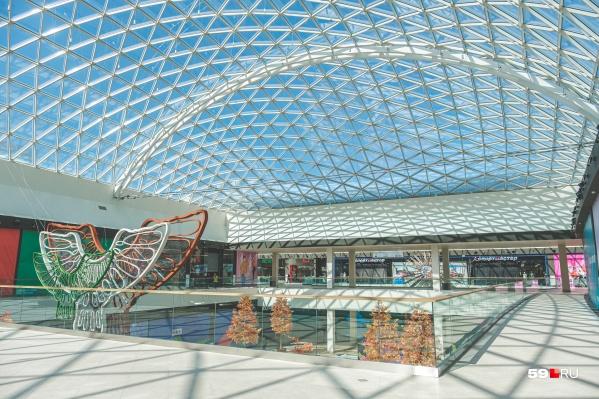В «Планете» прозрачная крыша и несколько атриумов
