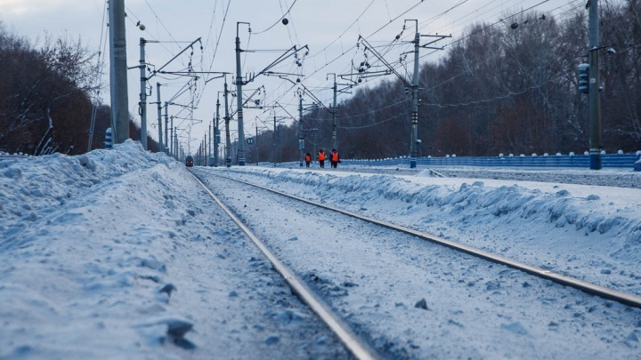 В Ялуторовске под поезд попал мужчина, перебегавший ж/д пути