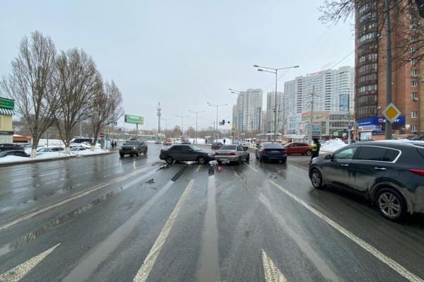 По данным ГИБДД, водитель «Приоры» не уступил дорогу «Дэу»