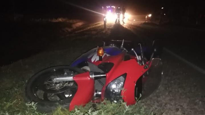 Под Ростовом легковушка снесла мотоцикл — водитель и 12-летний пассажир погибли
