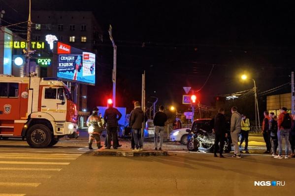 Несмотря на серьезные повреждения автомобилей, никто не пострадал