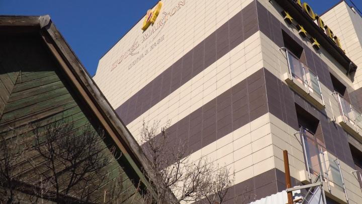 Наказал за жалобы. Владелец сети отелей вешает на волгоградца долг в 12миллионов