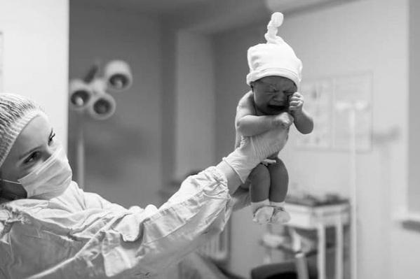 Добро пожаловать в новый мир, малыш! Любуемся младенцами и их мамами, которые впервые увидели друг друга