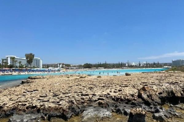 Купальный сезон на Кипре — с апреля по конец октября, поэтому море в мае уже очень теплое