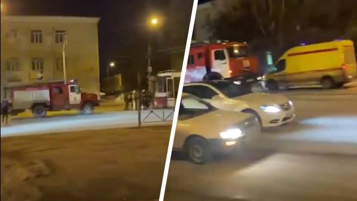 В Кировском районе 20 пассажиров эвакуировались из трамвая — что там произошло