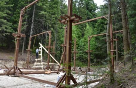 В столице Югры в августе откроют веревочный парк «Каснэ Маа»