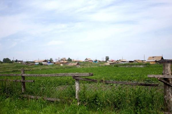 В деревне Малая Тумна проживает 200 человек