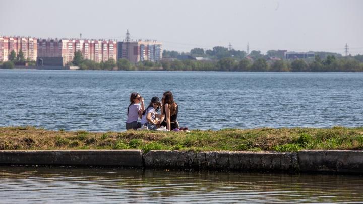 Синоптики рассказали, как долго продержится аномальная жара в Челябинске