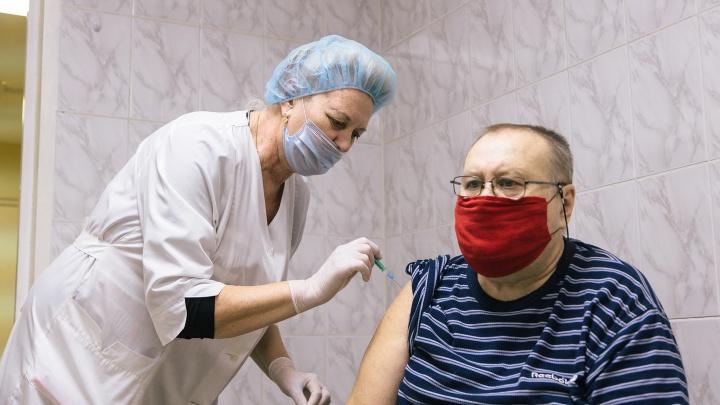 «Прямо сейчас у вас есть выбор»: в Кузбасс поступила четвертая вакцина от COVID-19