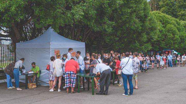 В Прикамье привезли большую партию «Спутника V». Но мобильные пункты не откроют