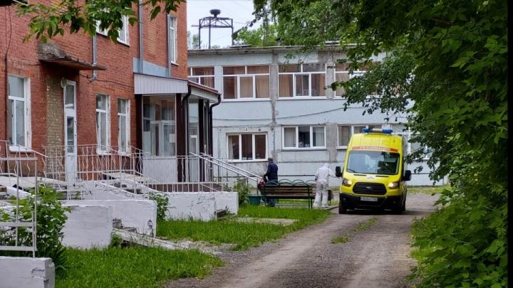 Кузбасская инфекционная больница в Кемерово заполнена коронавирусными больными на 100%
