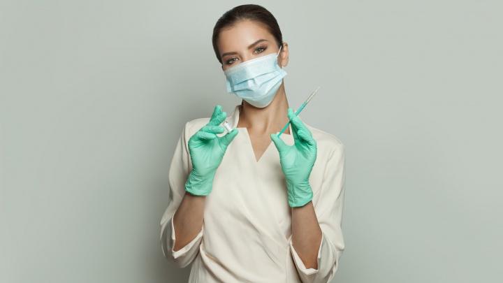 Новосибирцев пригласили на проверку здоровья перед вакцинацией от COVID-19